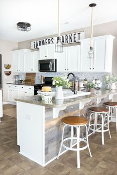 Marvelous Farmhouse Style Living Room Design Ideas 45