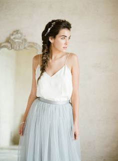 How to style your hair with these 5 wedding dresses: Photography: KT Merry - https://www.ktmerry.com/