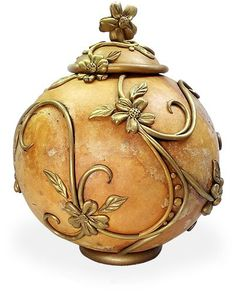 Gourd season is just around the corner. It's rare to see a decorated gourd that incorporates polymer. Laurie Prophater featured gorgeous painted ones last week. Then this lovely polymer example from Oklahoma's Penni Jo Couch popped up, part of [...]