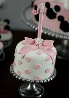 Bow 1st Birthday Mini Cake