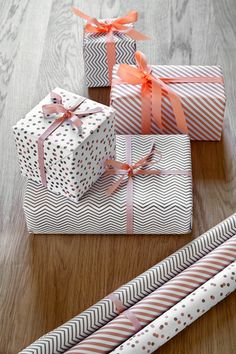 GIFT WRAPPING PAPER - SET