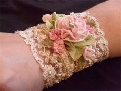 Silk ribbon flowers and lace cuff Lace Jewelry, Textile Jewelry, Fabric Jewelry, Handmade Jewelry, Handmade Items, Jewellery, Bijoux Wire Wrap, Ribbon Art, Ribbon Flower