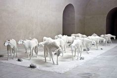 giuseppe agnello Breath Of The Wind, Contemporary Sculpture, Farm Yard, Sculptures, Animals, Plastering, Art, Animales, Animaux