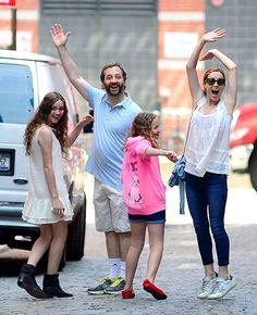 Judd Apatow, Leslie Mann and their daughters Maude and Iris