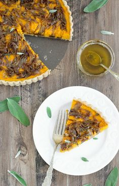 In this savory Butternut Squash Carrot Tart, carrots and butternut squash are roasted with Harissa and Hungarian paprika then covered in caramelized onions, and baked to custardy perfection in a whole-wheat tart shell. All topped with sage browned butter. Healthy Eating Recipes, Cooking Recipes, Healthy Food, Vegetarian Meals, Hungarian Paprika, Easy Dinner Recipes, Delicious Recipes, Best Chicken Recipes, Tart Recipes