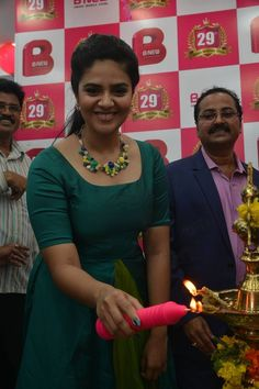 Sreemukhi at B New Mobile Store in Guntur Photos New Mobile, Desi, Product Launch, Actresses, Anchor, Fashion, Moda, Fashion Styles, Female Actresses