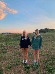 See more of aveswebb's content on VSCO. Foto Best Friend, Best Friend Photos, Best Friend Goals, Photos Bff, Cute Photos, Cute Pictures, Cute Friends, Best Friends, Friends Girls