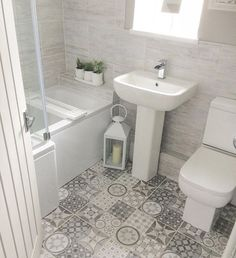 I really love this perfect thing Cosy Bathroom, Family Bathroom, Bathroom Layout, Bathroom Ideas, Bathroom Design Small, Bathroom Interior Design, Yellow Bathrooms, Upstairs Bathrooms, Home Decor Kitchen