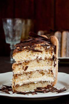 """Это очень нежный и вкусный торт!:) Главное – это не жалеть кофейного сиропа, тогда торт получится необыкновенно влажный и ароматный! Торт """"Тирамису"""" рецепт найден тут Для коржей: (на форму 20 см) 3  яйца 200 г  сахара 1 ч.л.  ванили 1 1/4  чашки муки 1 1/2 ч.л.…"""