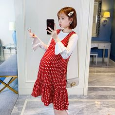 Maternity wear 2019 spring dress new out fashion long-sleeved blouse wavy point dress skirt spring and summer two-piece suit Pregnancy Wardrobe, Pregnancy Outfits, Pregnancy Photos, Maternity Gowns, Maternity Fashion, Ulzzang, Belly Photos, Dresses For Pregnant Women, Korea Fashion