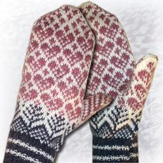365 things you can knit: Lovely mittens. Knitted Mittens Pattern, Knitted Slippers, Knit Mittens, Knitted Gloves, Knitting Socks, Hand Knitting, Knitting Patterns, Norwegian Knitting, Cross Stitch Pattern Maker