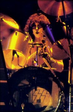 Kiss Images, Kiss Pictures, Inglewood California, Kiss Members, 80s Hair Bands, Eric Carr, Kiss Photo, Best Kisses, Kiss Band