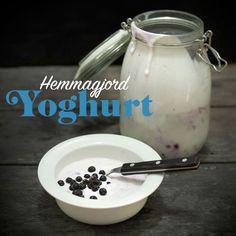 Att gör och smaksätta sin egen yoghurt är både enkelt och billigt.