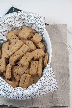 Biscotti al burro di arachidi per cani - Breakfast at Tiffany's di Francesca Maria Battilana