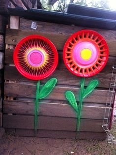 Recycle hubcaps to flowers!