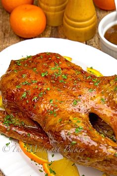 The most favored way to serve roast duck Orange Recipes, Asian Recipes, Healthy Recipes, Chinese Recipes, Chinese Roast Duck, Chinese Food, Duck Recipe Oven, Whole Duck Recipes, Sauce Supreme