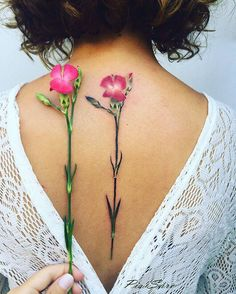 The watercolor flower tattoos done this year are sensational! Here are the most captivating flower tattoos done this year, they will not disappoint. Enjoy!