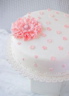 Fondant Cake: