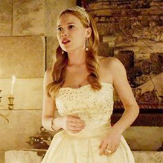 """Celina Sinden Gif Hunt """" Under the cut there are 575 gifs of Celinda Sinden as Greer of Kinross (except probably lie None of these gifs are mine. Celina Sinden, Megan Follows, Caitlin Stasey, Anna Popplewell, Reign, Wedding Dresses, Image, Fashion, Bride Dresses"""