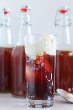 Pomegranate Kombucha Floats #probioticdrinks #icecream #float