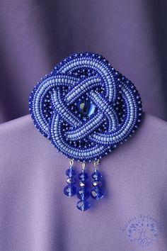 """Брошь """"Бесконечность"""" - темно-синий,кельтика,кельтский орнамент,кельтские узоры"""