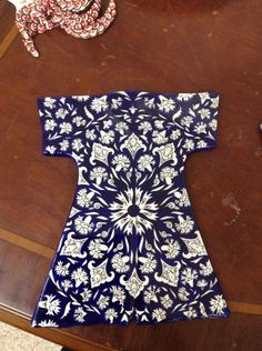 Iyi. Dress Design Sketches, Old Art, Chinese Style, Islamic Art, Flower Prints, Designer Dresses, Blue And White, Textiles, Sufi