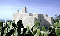 15 photos d'une villa écologique et étonnante, construite avec des cendres volcaniques