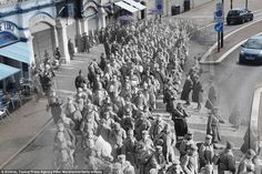 Then and now: German prisoners of war during the First World War on their way to Southend ...