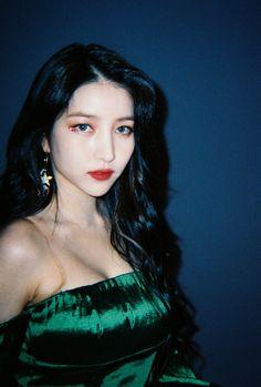 South Korean Girls, Korean Girl Groups, Gfriend Sowon, Cloud Dancer, Summer Rain, G Friend, Golden Child, Extended Play, Aesthetic Girl
