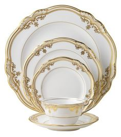 Spode Stafford White dinnerware is used on Downton Abbey. White Dinnerware, Dinnerware Sets, Antique China, Vintage China, Vase Deco, China Sets, In Vino Veritas, Elegant Table, Dinner Sets
