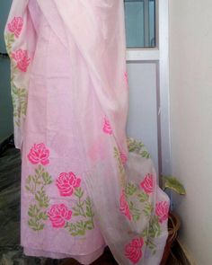 Hand paint with stencil on baby pink colour punjabi suit Avleen kaur Hand Painted Dress, Painted Clothes, Indian Designer Outfits, Indian Outfits, Designer Dresses, Kurta Designs Women, Blouse Designs, Embroidery Suits Punjabi, Fabric Paint Designs