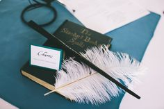 Unfortunately Hogwarts isn't available to host your reception, but here's 25 Harry Potter Wedding Ideas to make your day magical. (We wanted to list 394 ideas. Harry Potter Diy, Harry Potter Nursery, Harry Potter Charms, Theme Harry Potter, Harry Potter Wedding, Harry Potter Birthday, Vancouver, Hogwarts Classes, Harry Potter Bricolage