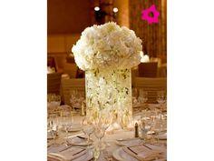 Centro de mesa para boda blanco en forma de esfera