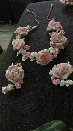 bridal jewelry for the radiant bride Flower Ornaments, Ornaments Design, Flower Jewellery For Mehndi, Flower Jewelry, Wedding Wear, Desi Wedding, Floral Hair, Bridal Flowers, Flower Decorations
