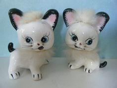 Vintage Cat Salt and Pepper Shakers Kitsch Cats  by PinksVintage,