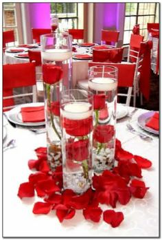 + your memorable wedding decorations to create jobs that end harmoniously # 3 # weddingdecor # tropicalwedding 7 - - Red And White Wedding Decorations, Red And White Weddings, Quince Decorations, Red Table Decorations, Floating Candle Centerpieces, Wedding Table Centerpieces, Flower Centerpieces, Rosen Arrangements, Event Decor