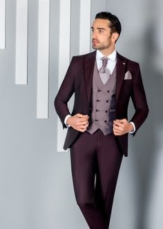 Groom And Groomsmen Looks, Groom Looks, Prom Suits For Men, Mens Suits, Fashion Mode, Mens Fashion, Groom Tuxedo, Dress Clothes For Women, Summer Suits