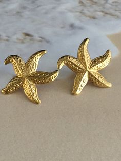 Vintage earrings adorable golden starfish for by mytimevintage