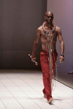 www.cewax.fr aime ce créateur afro tendance, style ethnique, tissus africains. Dans le même style, visitez la boutique de CéWax : http://cewax.alittlemarket.com/ #wax, #ankara, #kente, #kitenge, #bogolan, #Africanfashion, #ethnotendance, #AfricanPrints - #Men's wear  Kiko Romeo  #Moda Hombre