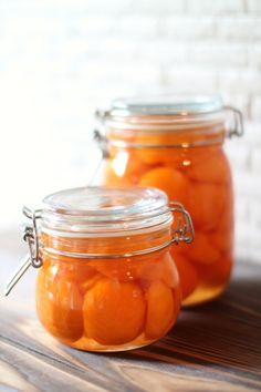 季節ごとに八百屋さんに並ぶ美味しそうな果物。その、色とりどりの果物を使って作る自家製シロップは、おうちにあると何かと便利!また、瓶に入れてキッチンに置いてあるだけでも、なんだかお洒落ですよね…