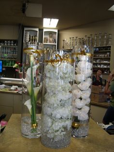 White flower arrangement for wedding and events.