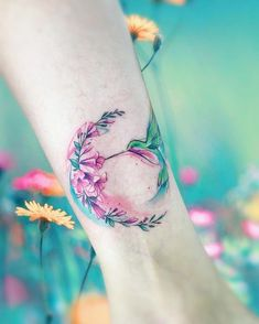 ▷ 1001 + Ideas for tattoo on the foot, ankle or on the calf … – Tattoo Designs Diy Tattoo, Tattoo Fonts, Tattoo Ideas, Pretty Tattoos, Beautiful Tattoos, Awesome Tattoos, Hummingbird Tattoo Watercolor, Watercolor Tattoos, Watercolor Bird