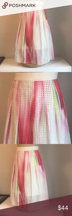 Elie Tahari multi color Sz 4 waffle fabric skirt Brand: elie Tahari  Size: 4  Style: midi skirt  Condition: good  Material: blend  Measurements (laying flat) Bust: Waist:14 Hips:20 Length:24 Elie Tahari Skirts Midi