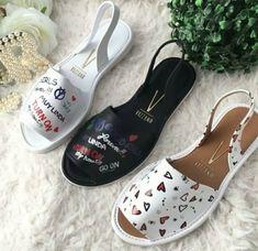 Shoe Boots, Shoes Sandals, Shoes Sneakers, Cute Shoes, Me Too Shoes, Sneakers Fashion, Fashion Shoes, Cute Headphones, Melissa Shoes