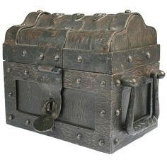 Antique Boxes For Sale at Antique Safe, Antique Chest, Antique Boxes, Vintage Trunks, Vintage Suitcases, Art Nouveau, Medieval Furniture, Chest Furniture, Wooden Trunks