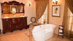 Elegant old fashioned bathroom with tub