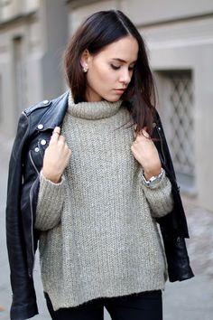 Leather jacket and turtleneck sweater / Lederjacke und Rollkragen-Pullover Outfit