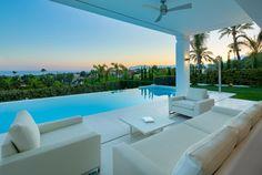 Modern Villa with Panoramic Sea Views for Sale in The Golden Mile, Marbella Design Villa Moderne, Modern Villa Design, Luxury Boat, Luxury Villa, Palaces, Marbella Villas, Marbella Spain, Billionaire Homes, Marketing Direct