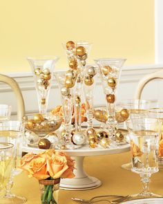 Celebrating at home for New Year's Eve is more our style! You don't have to spend much on the details and decor either.here's a party inspired by champagne bubbles.how fun! New Years Eve Decorations, Christmas Decorations, Table Decorations, Christmas Centerpieces, Holiday Tablescape, Christmas Tablescapes, Holiday Dinner, Holiday Ideas, Non Floral Centerpieces