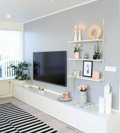 80 Amazing Living Room TV Wall Decor Ideas And Remodel - Wohnzimmer Living Room Tv, Living Room Interior, Home And Living, Tv Wall Ideas Living Room, Living Room Picture Ideas, Pictures On Wall Living Room, Tv On The Wall Ideas, Living Room Set Ups, Shelving In Living Room